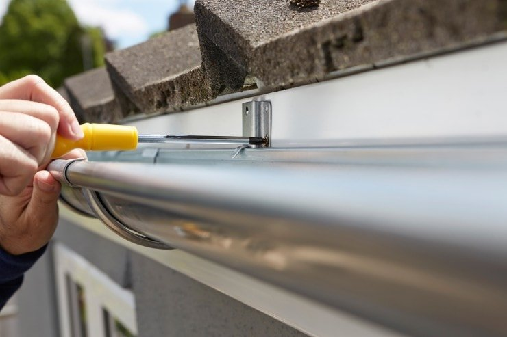 Tips For Aligning And Leveling Gutters Rain Gutter Pros Inc